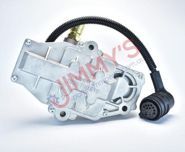 1998 700 510 – Gearbox clutch servo unit (solenoid)